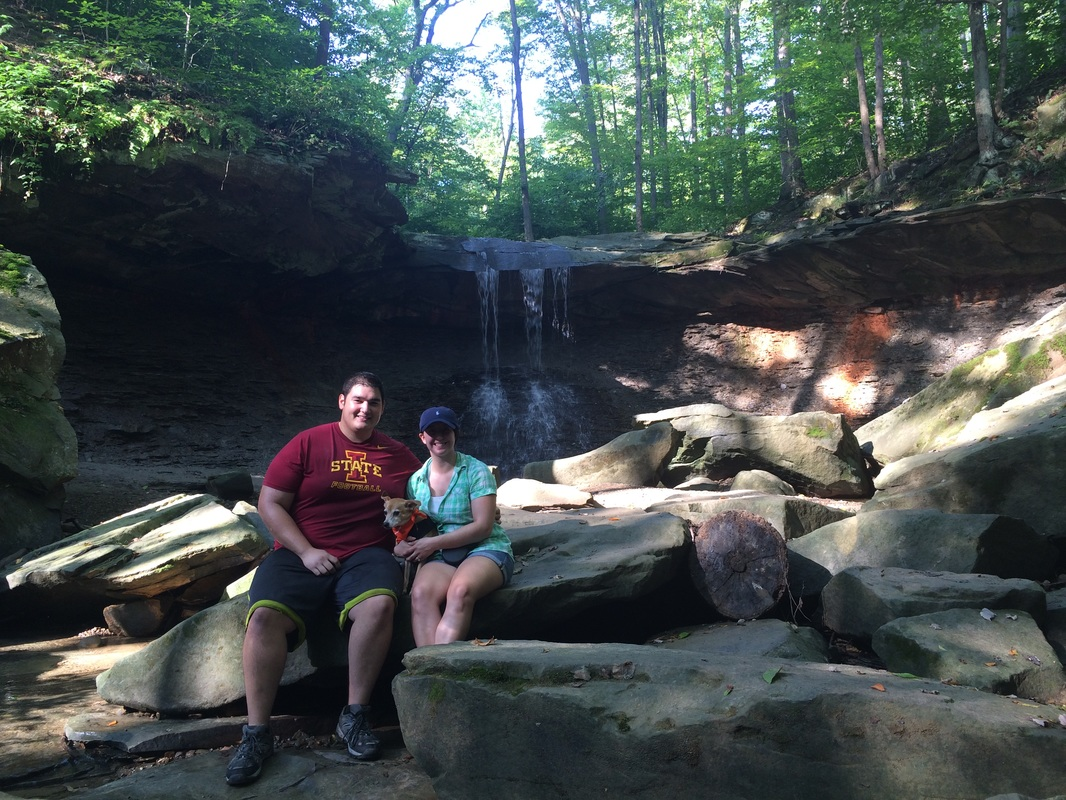 The Best Hiking Outfits // Cuyahoga Valley National Park, OH | Yellow Mondays